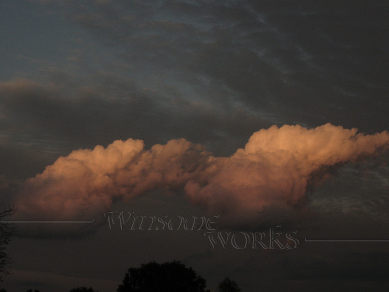 Weird cloud formation seen near Plumsteadville, PA in early evening  - 10/09/2010