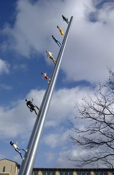 "Jonathan Borofsky's ""Walking to the Sky"" sculpture at Carnegie Mellon U.  -  1/2011 ?"