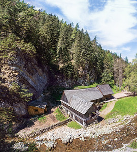 A fully functioning water mill adapted as a free museum (Mlyn Oblazy), in the Kvacianska Dolina gorge. Been a nice extra to the hike.