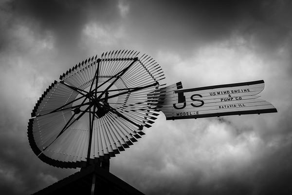 Vintage windmill, Batavia, Illinois