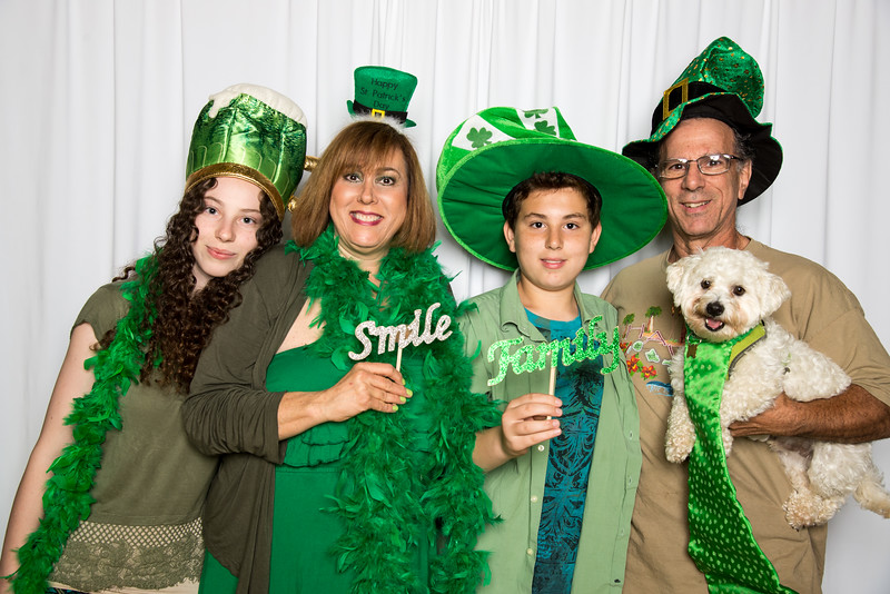 photo booth by Click Happy Productions-6.jpg