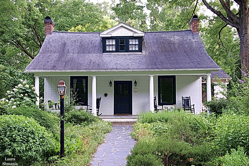 "6-10=07-- Sunday<br /> my favorite cottage in chapel hill<br /> <br /> ""could you coo, could you care<br /> for a cunning cottage<br /> that we could share<br /> the world will pardon my mush<br /> cause I have got a crush, my baby, on you""<br /> <br /> frank sinatra, lyrics- I've got a crush on you"