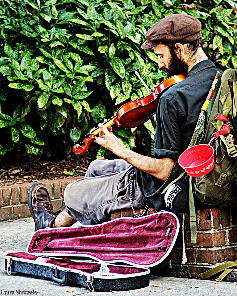 9-24-09-- thursday<br /> musician on franklin street