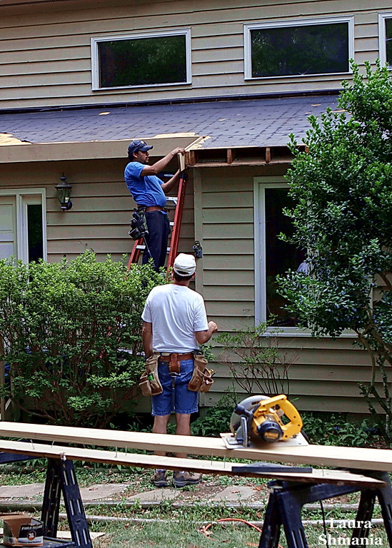 "8-2-07-- Thursday<br /> getting a new roof put on our house <br /> (temperatures in the mid-90's with high humidity)<br /> <br /> <br /> ""one may go a long way after one is tired.""<br /> <br /> -- french proverb"