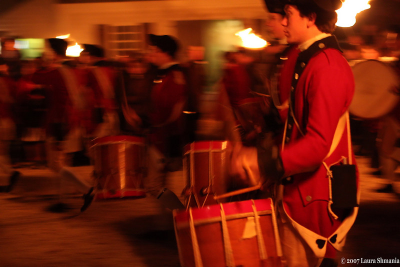 "12-22-07-- Saturday<br /> fifes and drums at evening program williamsburg, va<br /> illumination of the capital- lit with fire torches<br /> <br /> for a listen:<br /> <br /> <a href=""http://www.history.org/history/fife&drum/about.cfm"">http://www.history.org/history/fife&drum/about.cfm</a>"