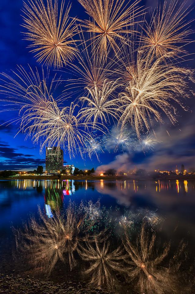 The exploding sky