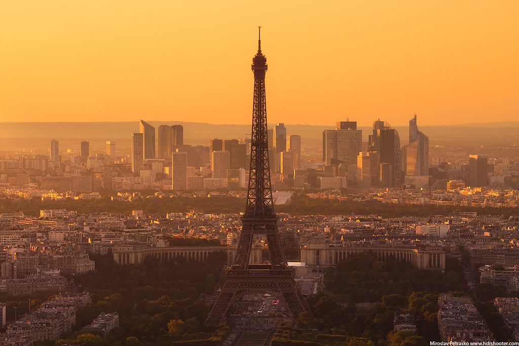 Golden sky at the Eiffel tower, Paris, France