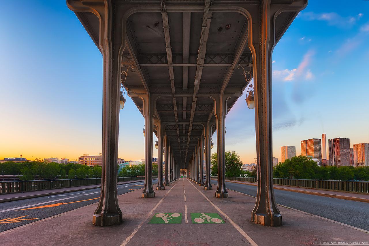 The Inception bridge