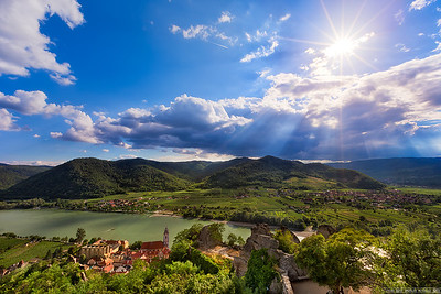 Sun shines onto Durnstein