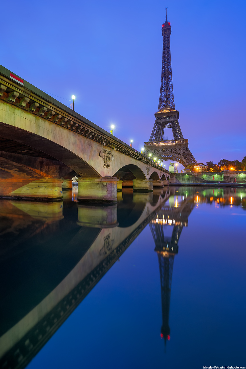 Morning reflection at the Eiffel tower