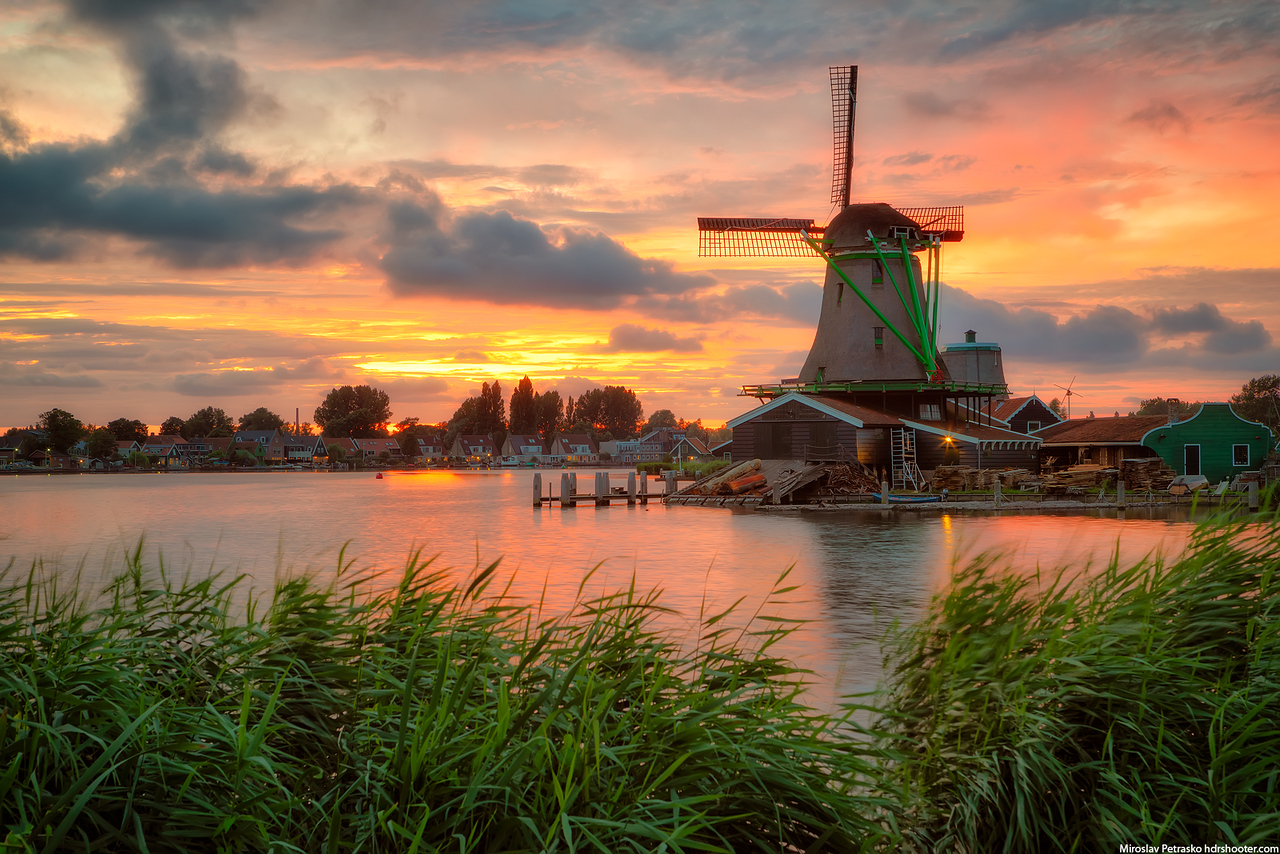 Sunset over Zaanse Schans