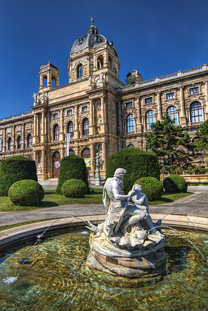 Kunsthistorisches Museum in Vienna  I will put up few more photos from Vienna this week. I spend the Saturday there, just walking around the city and taking a lot of photos. This time I tried only to check out most of the city center. The next time I plan to select few museums and check out all the exhibitions :).  HDR from three shots, taken with Canon 7D with Sigma 10-20mm lens, handheld.