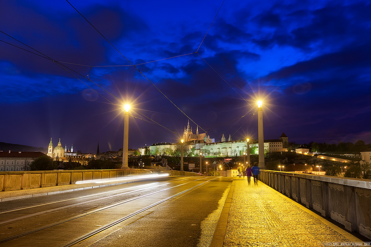 Crossing the Manes bridge
