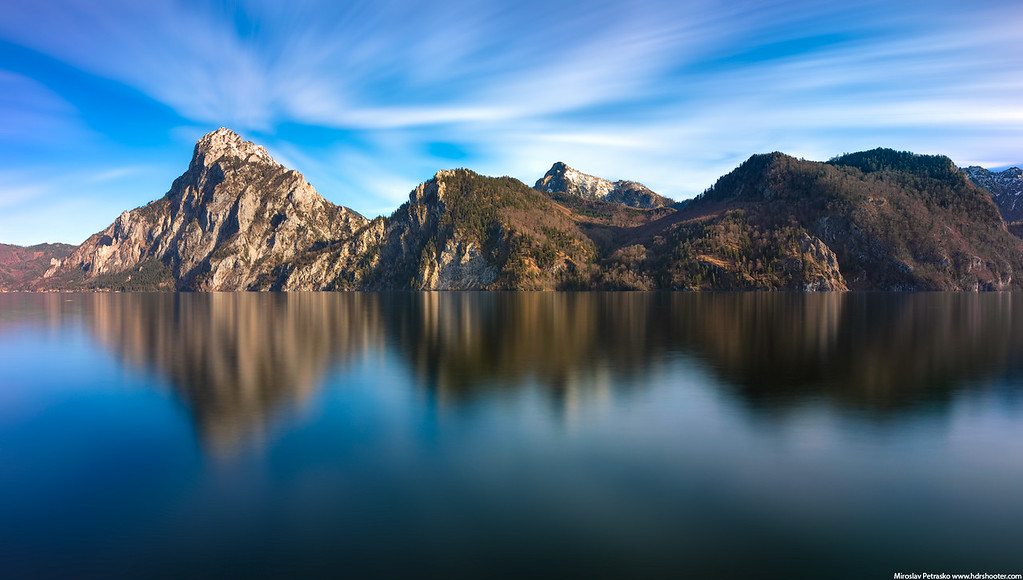 Long exposure reflection at Traunsee, Austria