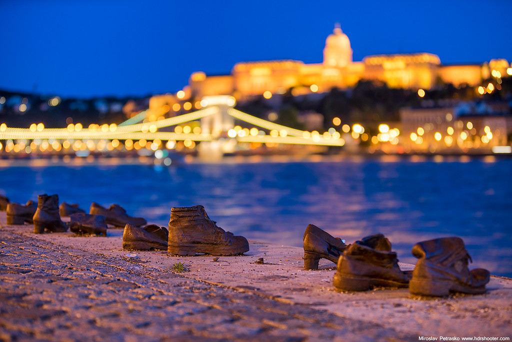 Shoe on the Danube Bank