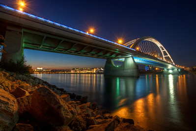 Apollo Bridge  I really like taking night shots, especially by the water. All the lights, all the reflections, it's just great. The only problem is to get up in the morning the next day :)  HDR from three shots, taken with Canon 450D with Sigma 10-20mm lens, from a gorilla pod. Again, very disappointed with the gorillapod. My should carry 3kg, my camera has around 1.5kg, and it can't hold it at all. Will probably just throw it out, as soon as I buy a new tripod.