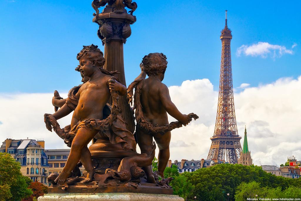 Alexander bridge statue