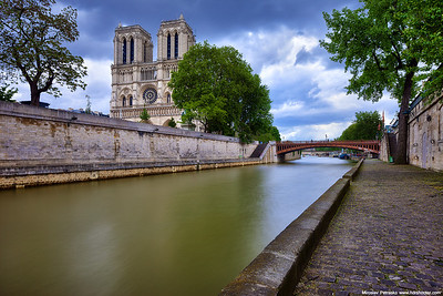 Rainy day at the Notre Dame