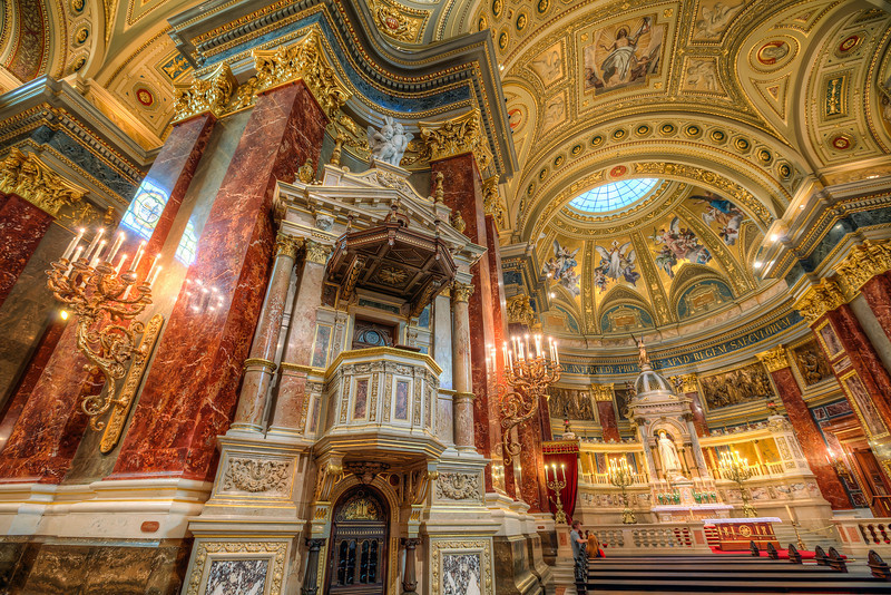 More from the St. Stephens basilica I still have more photos from the basilica and I will probably add them all. The basilica just looks so great.