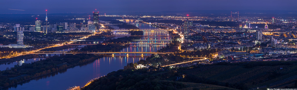 Night view of Vienna