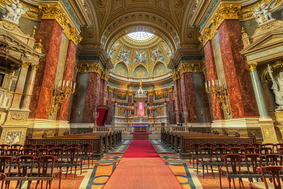 St. Stephen's Basilica How much detail can you have in one photo? Looks like there are no limits to it. There are almost no single color areas in this shot. Everything has a texture to it.