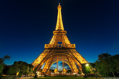 Blue hour at the Eiffel Tower