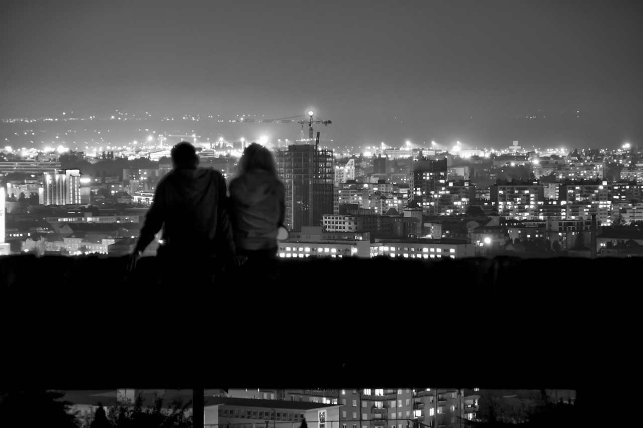 Date in the Light sea