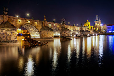 Late night at the Charles Bridge Somehow I always get to this bridge late at night. Will have to go there once during the sunset :)