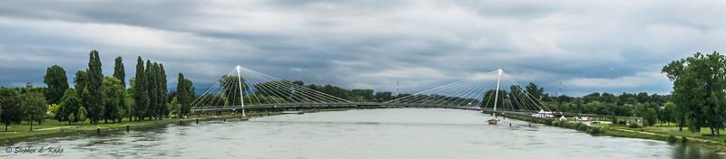 Passerelle des Deux Rives Bridge