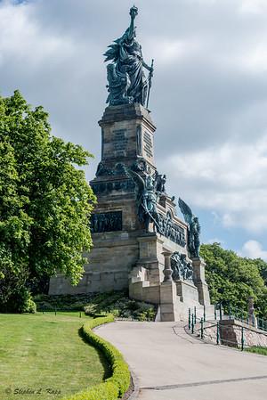 Rüdesheimer Berg Roseneck monument