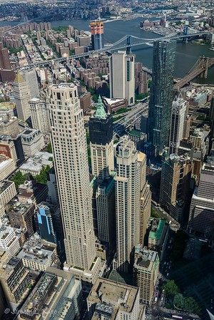 Park Palce (l) and The Woolworth Building (c)