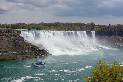 American Falls (Niagara Falls) & Maid of the Mist Tour Boat