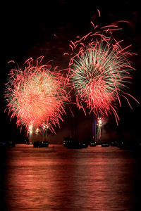 Fireworks on the Hudson River, July 4, 2010