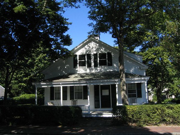117 Main Street, Edgartown. The apartment is on the second floor.