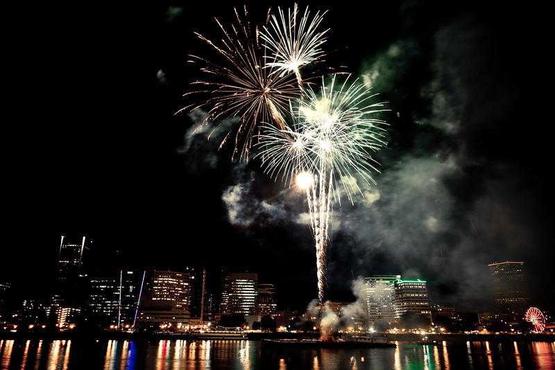Rose Festival Fireworks 2011