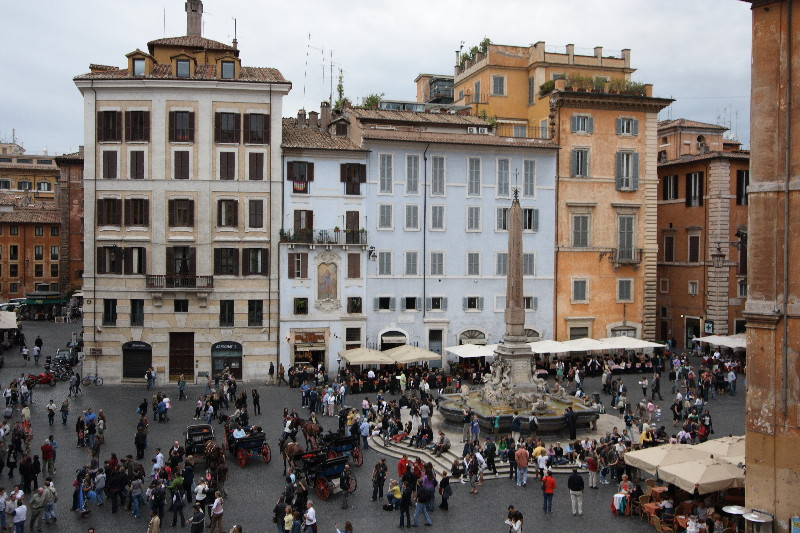 Rome: Piazza della Rotonda (Pantheon)