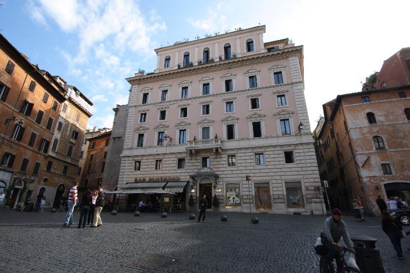 Rome: Piazza della Rotonda (Pantheon) - Albergo del Senato Hotel