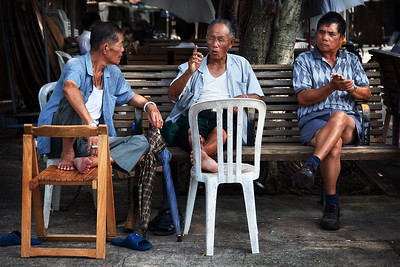 old men under a banyan tree cheung chau island3