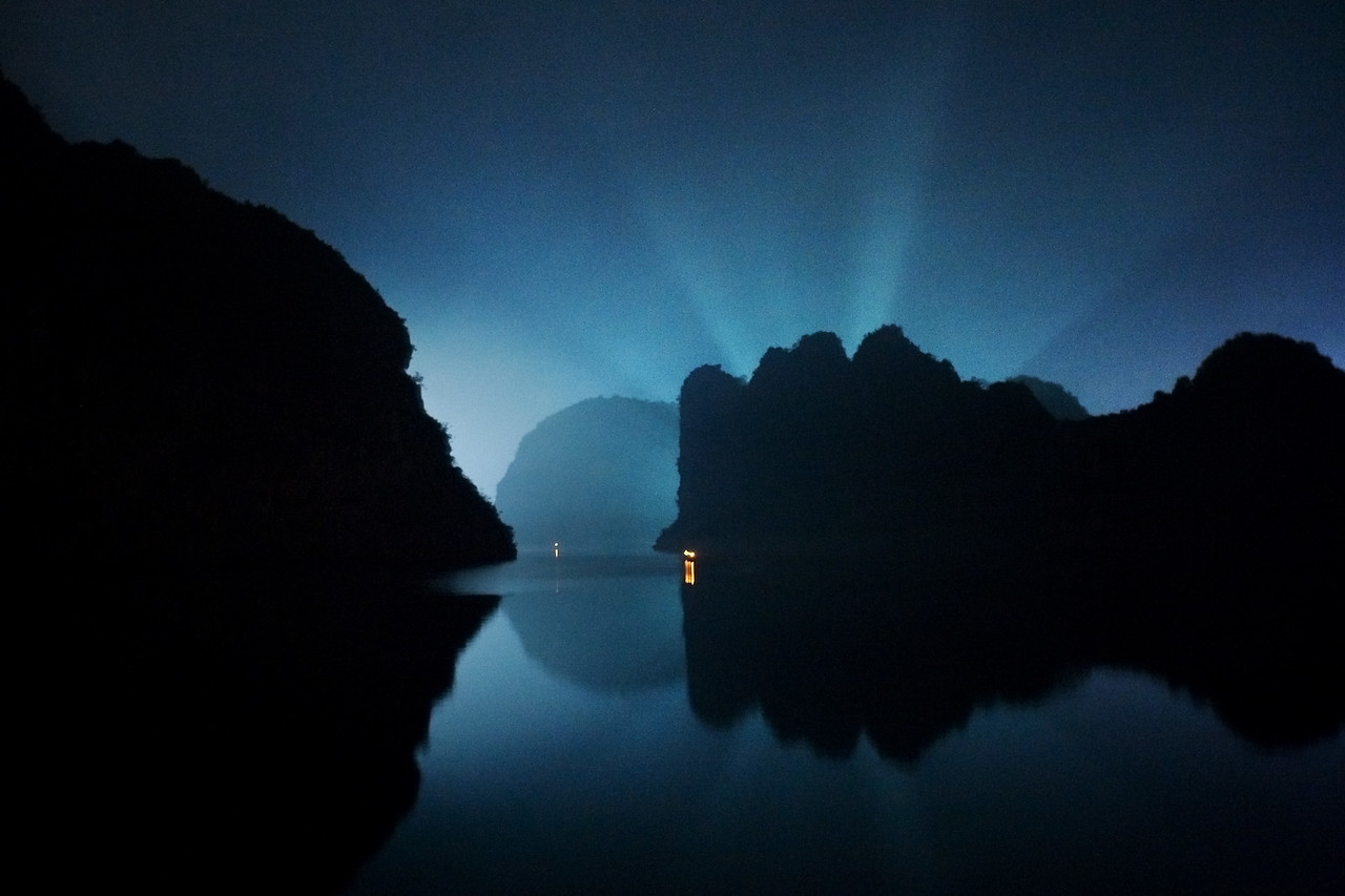 moonrise halong bay vietnam