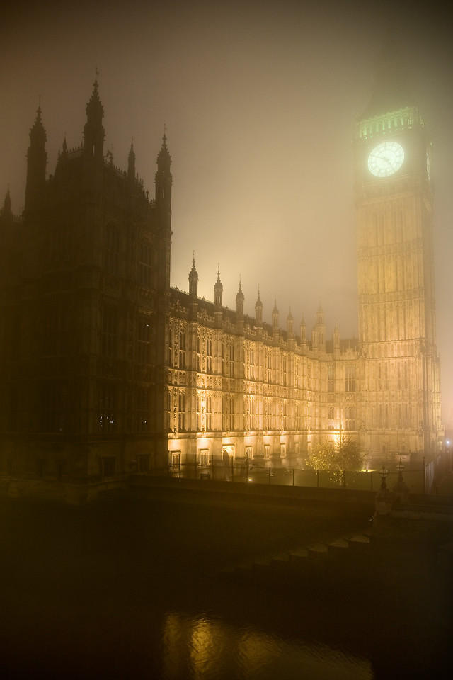 westminster palace big ben houses of parliament fog london