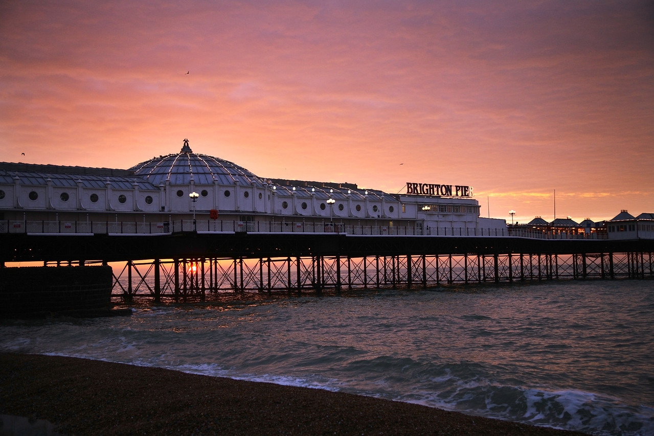 brighton pier sunrise