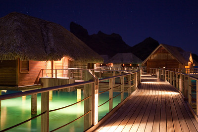 bora bora four seasons passageway