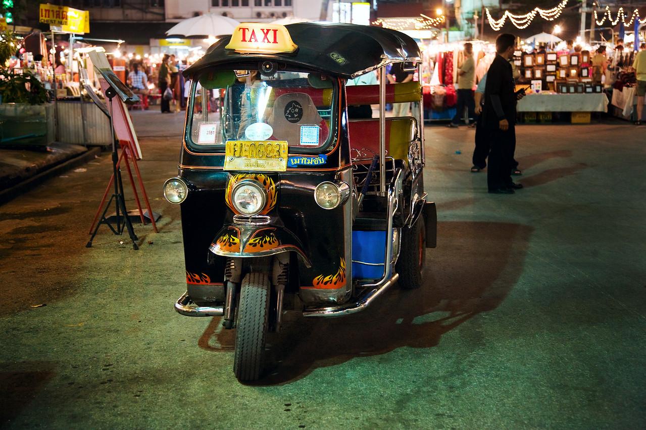 tuk tuk taxi chiang mai thailand