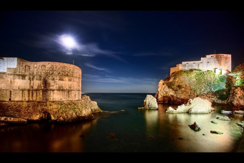 night city wall and lovrijenac dubrovnik croatia 2