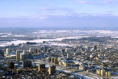 Ottawa_Balloon-over-Ottawa_Winterlude_Canada_Feb1989_scan18_WVB_1200px