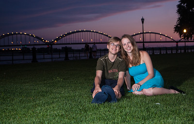 Family Photo Shoot Centenial Bridge Davenport, IA  JR Howell 1812 37th Street Ct Moline, IL 61265 jrhowell@me.com