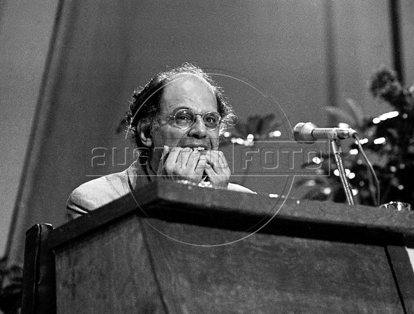 American poet and one of the leading figures of the Beat Generation in the 1950s, Irvin Allen Ginsberg participates at a 'Noche de poesia' (a poetry's night), Mexico DF, Mexico, August 24, 1981.  Ginsberg vigorously opposed militarism, materialism and sexual repression. (Austral Foto/Renzo Gostoli)