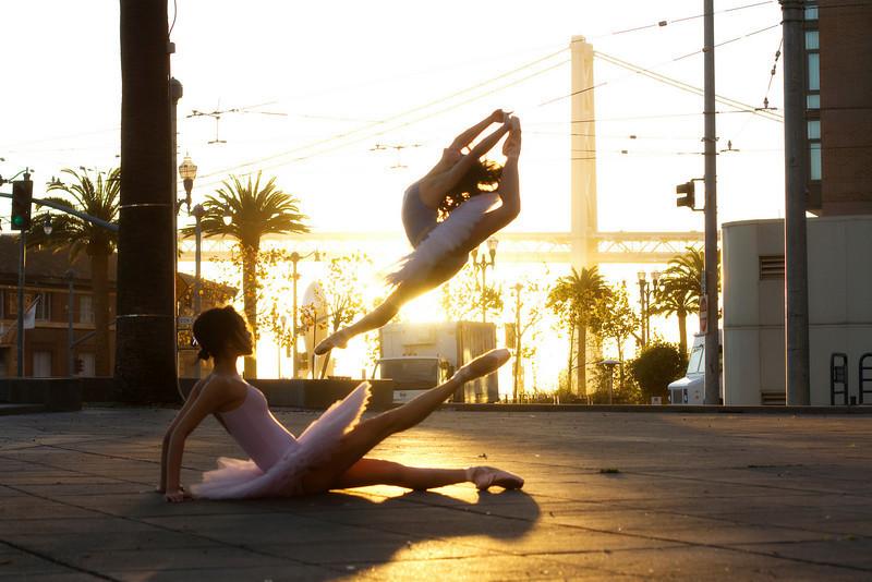 Dancers - Jeraldine Mendoza & Emma Rubinowitz.<br /> <br /> © 2010 Oliver Endahl