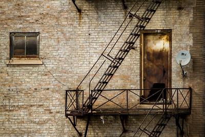 rusted door-7753