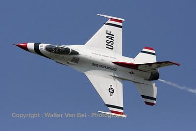 USAF_F-16C_T-Bird5_cnCC-130_EBFN_20110705_IMG_31805_WVB_1200px_ed2